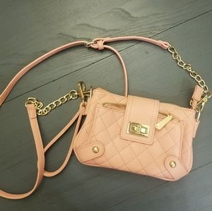 Nwot charming charlies pink crossbody quilted bag